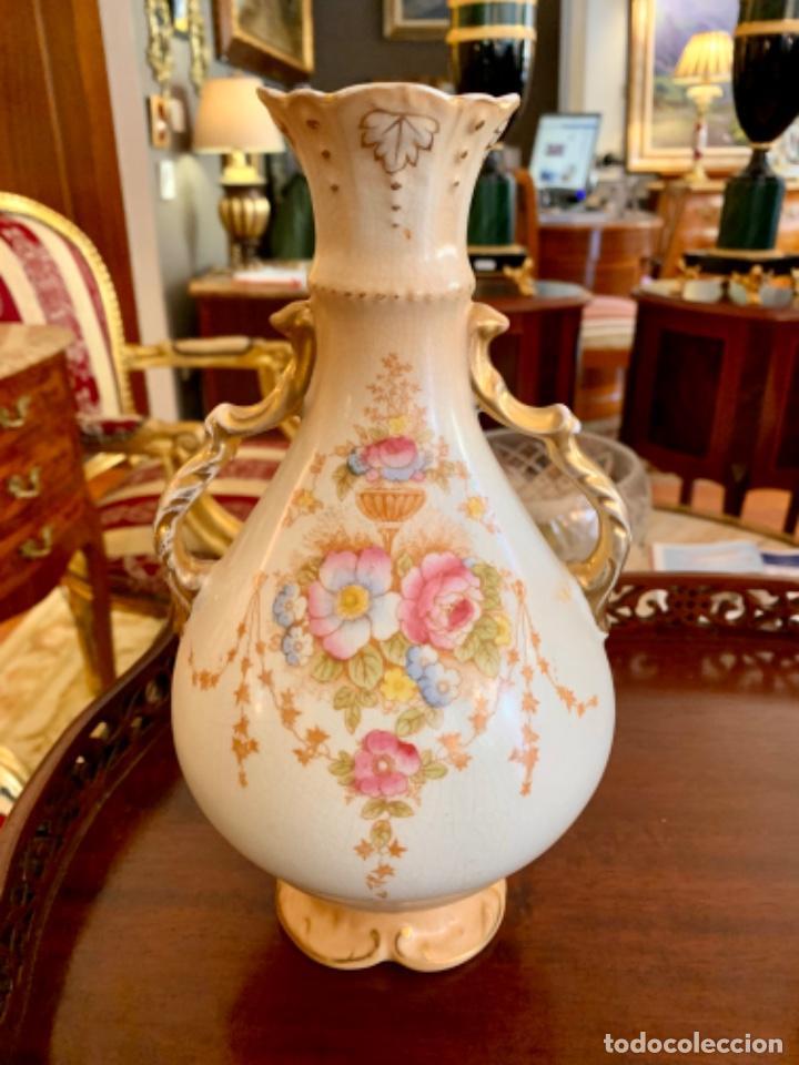 Antigüedades: Preciosa pareja de jarrones ingleses - Foto 2 - 194380505