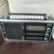 Antigüedades: RADIO GRUNDIG. Lote 194389013