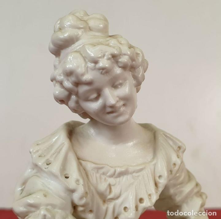 Antigüedades: MADRE CON SU BEBE. ESCULTURA EN PORCELANA. BISCUIT. ALEMANIA. SIGLO XX. - Foto 9 - 192522481