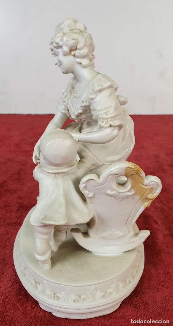 Antigüedades: MADRE CON SU BEBE. ESCULTURA EN PORCELANA. BISCUIT. ALEMANIA. SIGLO XX. - Foto 10 - 192522481