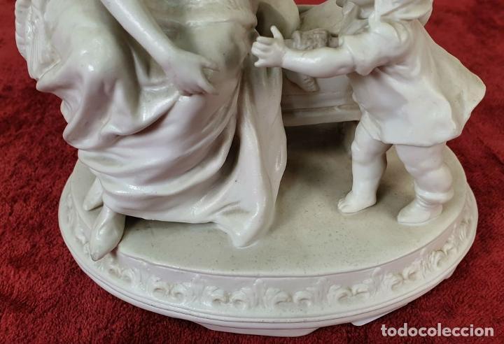 Antigüedades: MADRE CON SU BEBE. ESCULTURA EN PORCELANA. BISCUIT. ALEMANIA. SIGLO XX. - Foto 11 - 192522481