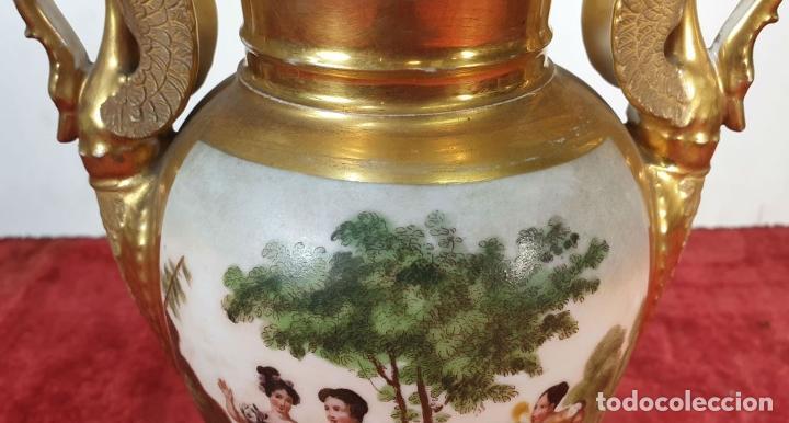 Antigüedades: JARRÓN EN PORCELANA ESMALTADA. ESCENA GALANTE. VIEJO PARIS. FRANCIA. SIGLO XIX. - Foto 11 - 194390508