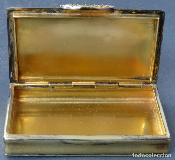 Antigüedades: Caja pastillero en plata dorada cincelada siglo XIX - Foto 3 - 194406716
