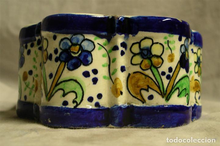 Antigüedades: Tintero S XIX porcelana Talavera forma margarita o hexagonal. Med. 13 x 6,5 cm - Foto 2 - 194487948