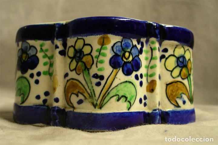 Antigüedades: Tintero S XIX porcelana Talavera forma margarita o hexagonal. Med. 13 x 6,5 cm - Foto 3 - 194487948