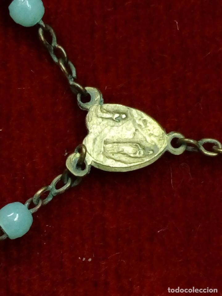 Antigüedades: antiguo rosario con cuentas de cristal con virgen de lourdes y marie concue sans peche - france - Foto 5 - 194490445