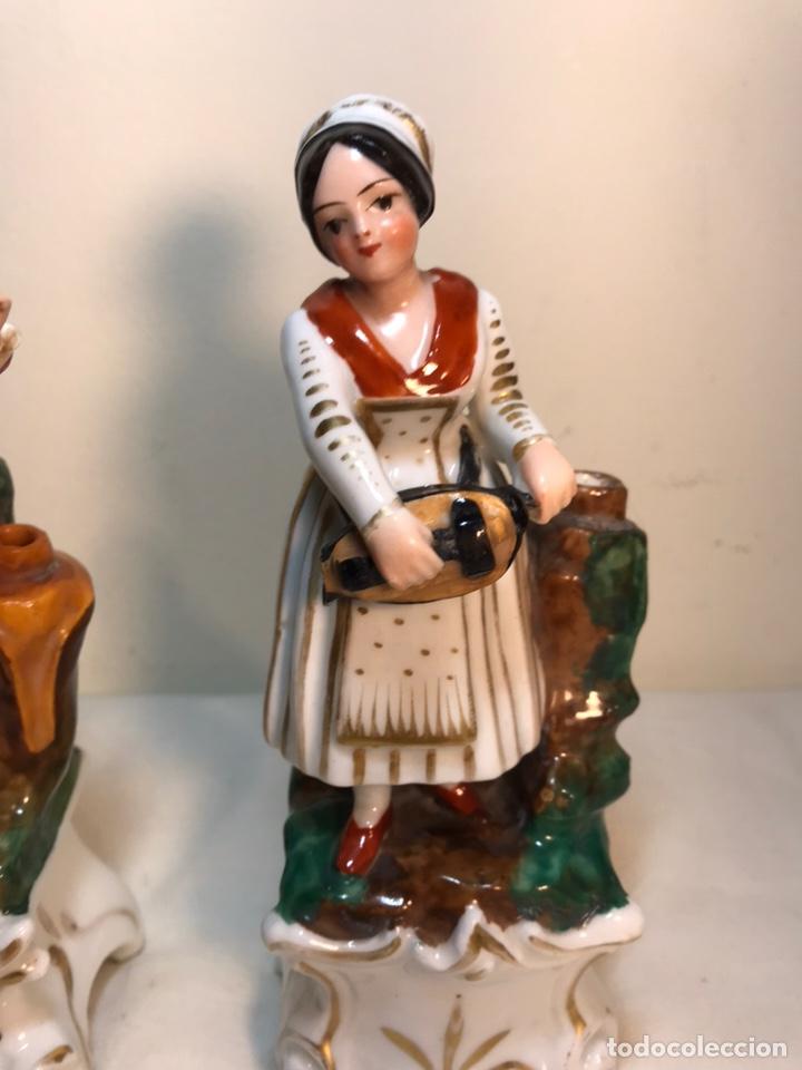 Antigüedades: 2 Figuras Porcelana- Francia- Violeteros- 18 cm - Foto 3 - 194493191