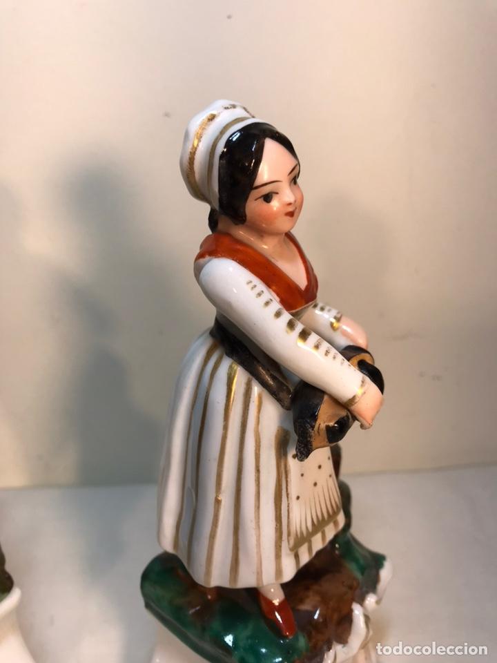 Antigüedades: 2 Figuras Porcelana- Francia- Violeteros- 18 cm - Foto 6 - 194493191