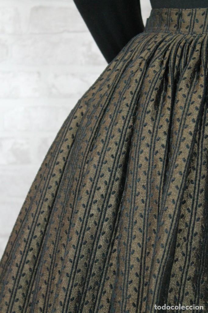 Antigüedades: FALDA BROCADA CON CENEFA - Foto 2 - 194495071