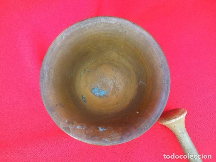 Antigüedades: BONITO ALMIREZ DE BRONCE CON CUATRO COSTILLAS y CUATRO CARAS - Foto 4 - 194501696