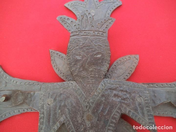 Antigüedades: CRUCIFIJO EN HIERRO FORJADO - Foto 4 - 194502130
