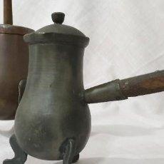 Antigüedades: CHOCOLATERAS COBRE Y ESTAÑO (PAREJA). Lote 194502326