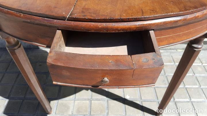 Antigüedades: PAREJA DE RINCONERAS. MADERA DE NOGAL. ESTILO IMPERIO. ESPAÑA. SIGLO XIX. - Foto 11 - 167130948