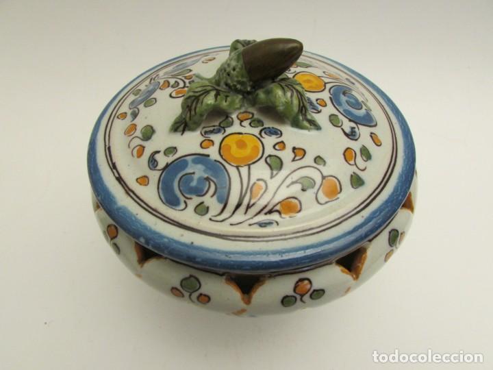 SOPERA INDIVIDUAL EN PORCELANA DE TALAVERA RUIZ DE LUNA (RESERVADA) (Antigüedades - Porcelanas y Cerámicas - Talavera)