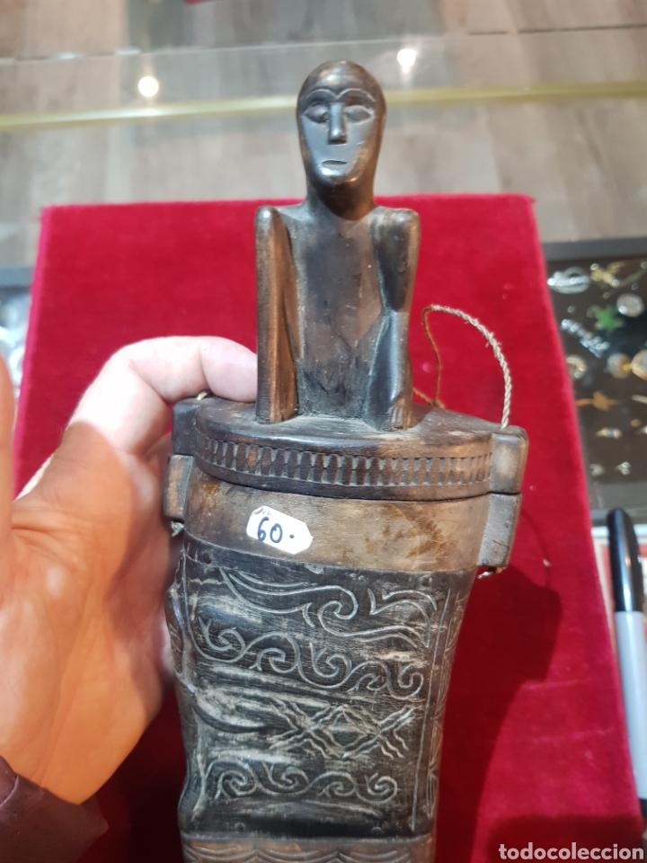 Antigüedades: Antigua talla africana en madera y cuerno contenedor de algún tipo de producto - Foto 3 - 194519551