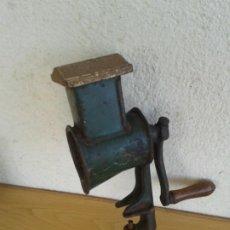 Antigüedades: MAQUINA VERDE MILITAR R-STAR RALLAR PICAR QUESO PAN FRUTOS SECOS. Lote 194535553