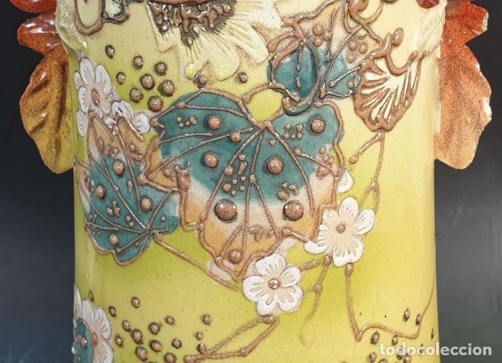 Antigüedades: PAREJA DE JARRONES MODERNISTAS. CERÁMICA JAPONESA. ESMALTADO Y PINTADO A MANO. SIGLO XX. - Foto 15 - 156027974