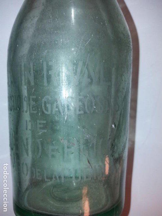 Antigüedades: CURIOSA BOTELLA DE GASEOSA LA SIN RIVAL FABRICA en PUEBLO DE SALAMANCA AÑOS 60´s - Foto 3 - 194541156
