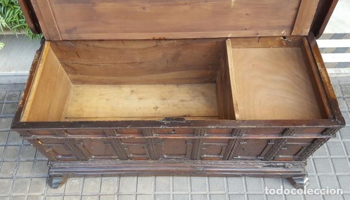 Antigüedades: ARCA CATALANA DE NOVIA. NOGAL CON INCRUSTACIONES DE BOJ. ESTILO BARROCO. SIGLO XVIII. - Foto 18 - 137421546