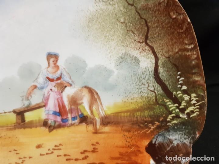 Antigüedades: Antiguo plato s.XIX porcelana de limoges pintado a mano. Francia - Foto 5 - 194544313