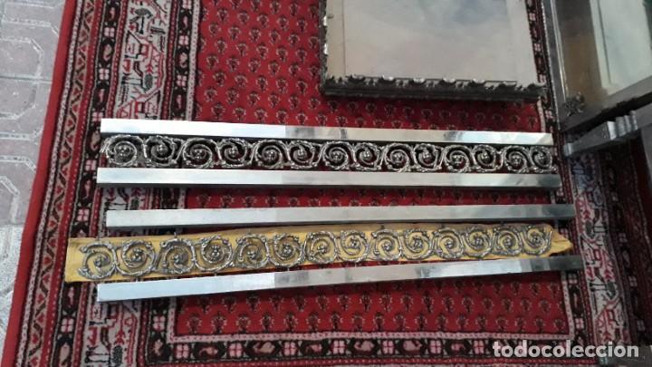 Antigüedades: Armario antiguo de metal repujado estilo Luis XVI. Armario antiguo metálico hierro espejos antiguos. - Foto 7 - 194537333