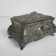 Antigüedades: PRECIOSA CAJA, JOYERO - PLATA DE LEY, SELLO H. ADRADAS, ZARAGOZA - FINALES S. XIX. Lote 194568297