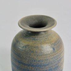 Antigüedades: JARRON DE CERAMICA ESMALTADA. FIRMADO TORQUEMADA. S.XX. . Lote 194572041