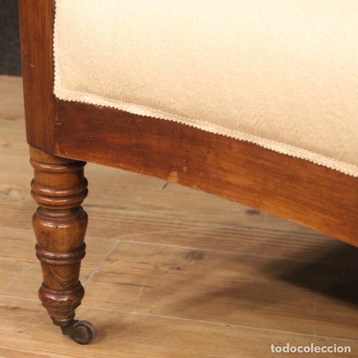 Antigüedades: Sofá italiano en madera de nogal del siglo XIX. - Foto 9 - 194588982