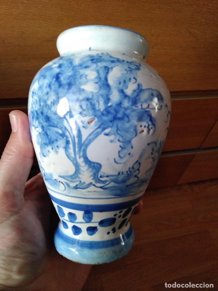 Antigüedades: Bonito Jarrón antiguo en cerámica de Manises. Sellado V G. 15 cm. - Foto 3 - 194602113