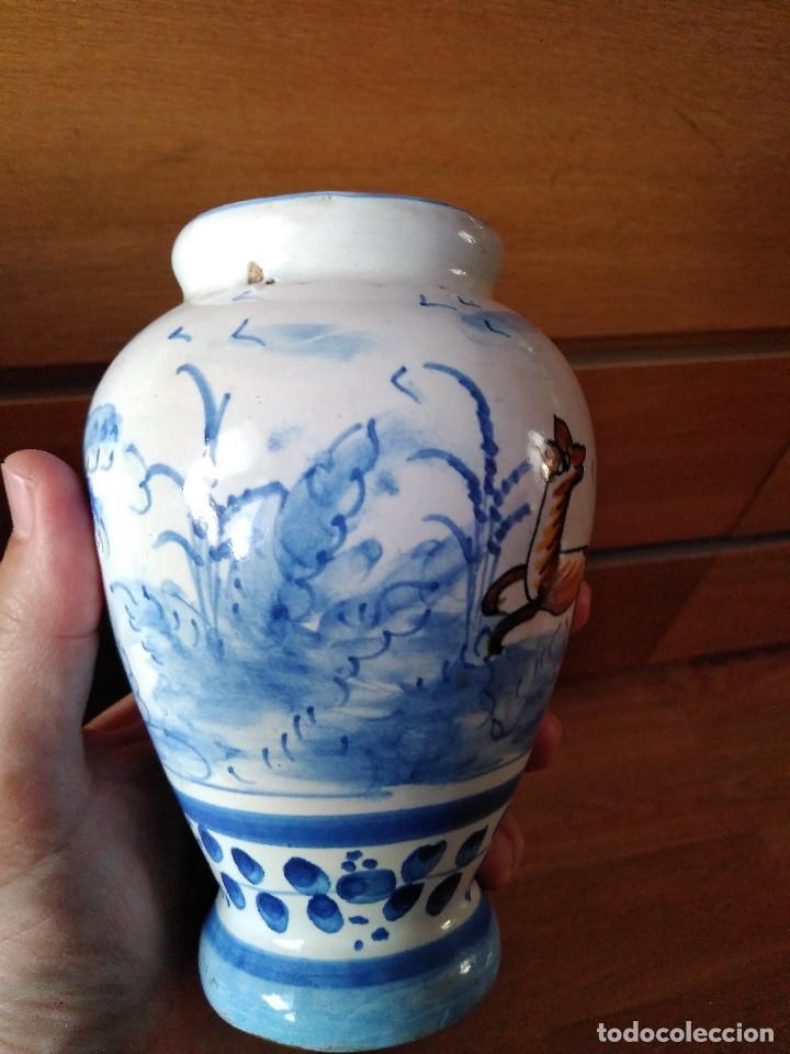 Antigüedades: Bonito Jarrón antiguo en cerámica de Manises. Sellado V G. 15 cm. - Foto 4 - 194602113
