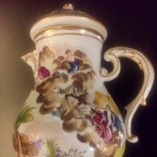 Antigüedades: CAPIDIMONTE. CAFETERA EN PORCELANA . S. XIX/XX. Lote 194614785