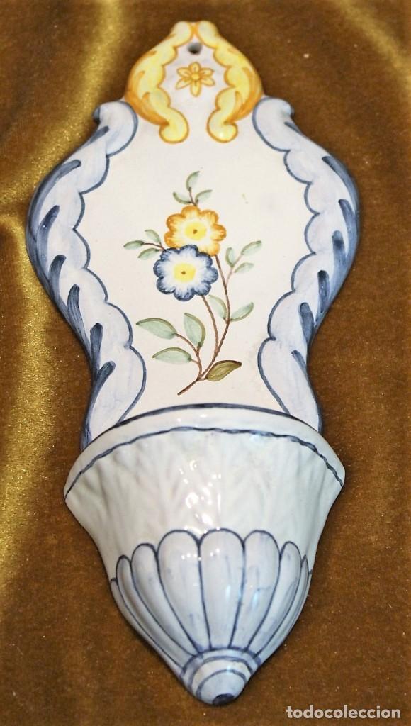 BENDITERA CERÁMICA BARROCA, ALCORA, CASTELLÓN, 20 X 10 CM, NUMERADA (Antigüedades - Porcelanas y Cerámicas - Alcora)