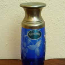 Antigüedades: JARRÓN ANTIGUO DE CRISTAL DE BOHEMIA, PERFECTO ESTADO.. Lote 194631811