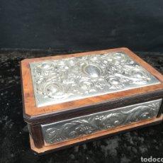 Antigüedades: ANTIGUO COFRE DE PLATA DE LEY. Lote 194632498