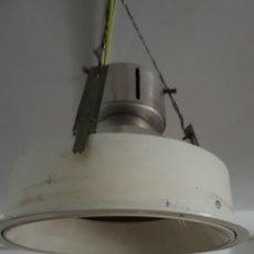 Antigüedades: LAMPARA DE TECHO INDUSTRIAL. Lote 194640205