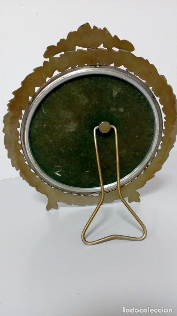 Antigüedades: ANTIGUO ESPEJO DE TOCADOR PLATEADO ORLADO CON MOTIVO FLORAL - Foto 6 - 194642890
