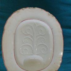 Antigüedades: ANTIGUA BANDEJA SALSERA DE LA CASA SARGADELOS. 35X38 CMS. Lote 194659257