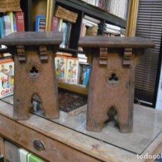 Antigüedades: PAREJA TABURETES ARTESANOS TOTAL ,ROBLE , ESTILO ARABESCO 1890. Lote 194665037