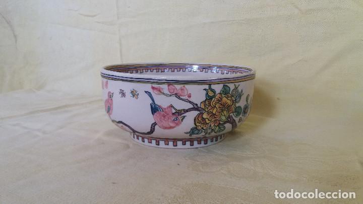CUENCO O BOLL ORIENTAL PINTADO A MANO, FIRMADO EN BASE UNOS 21 CMS. (Antigüedades - Porcelanas y Cerámicas - China)