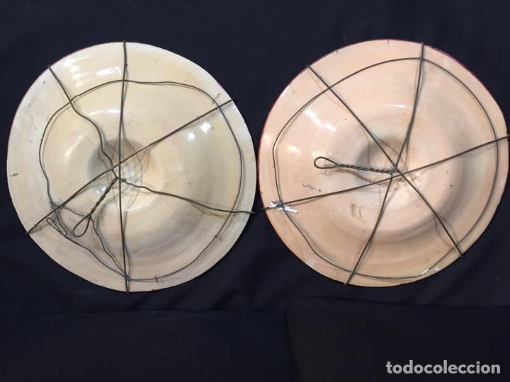 Antigüedades: Pareja de platos de cerámica refractarios - Foto 4 - 194668708
