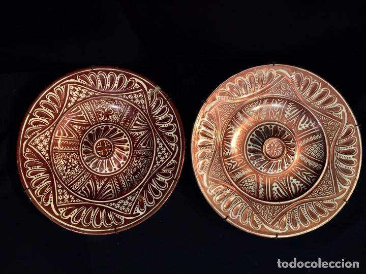 PAREJA DE PLATOS DE CERÁMICA REFRACTARIOS (Antigüedades - Hogar y Decoración - Platos Antiguos)