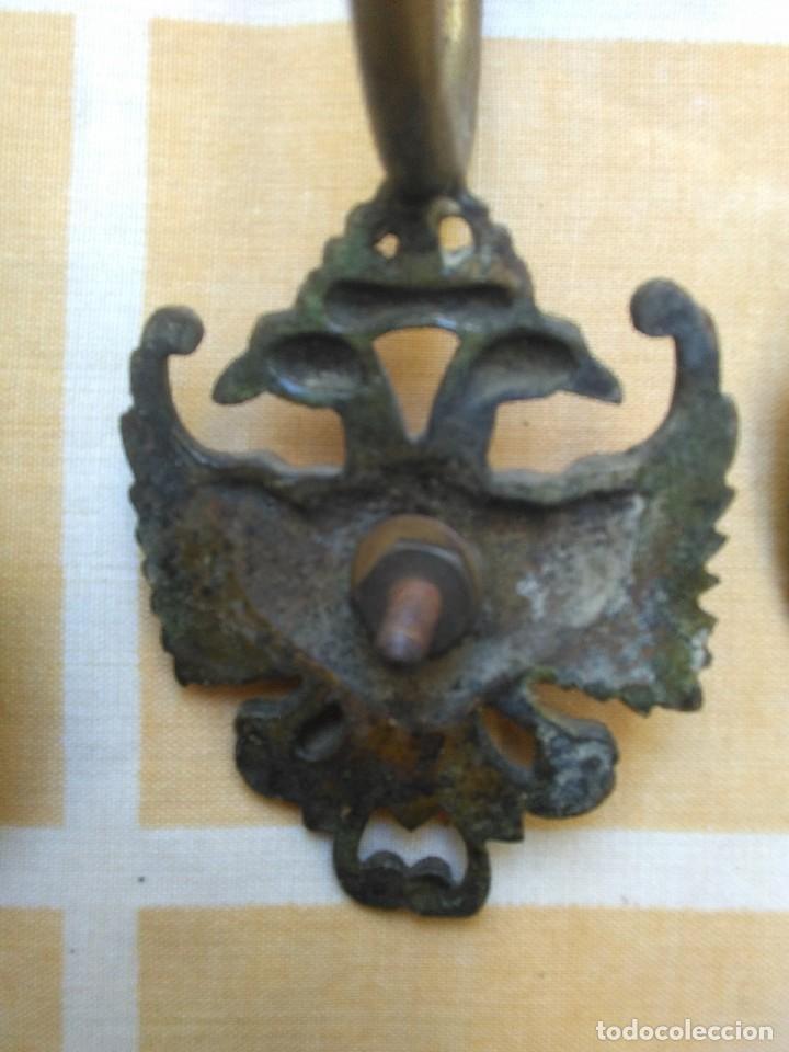 Antigüedades: antiguas anillas con aguila de laton o bronce años 30 o 40 para barra de cortinas - Foto 4 - 194673826