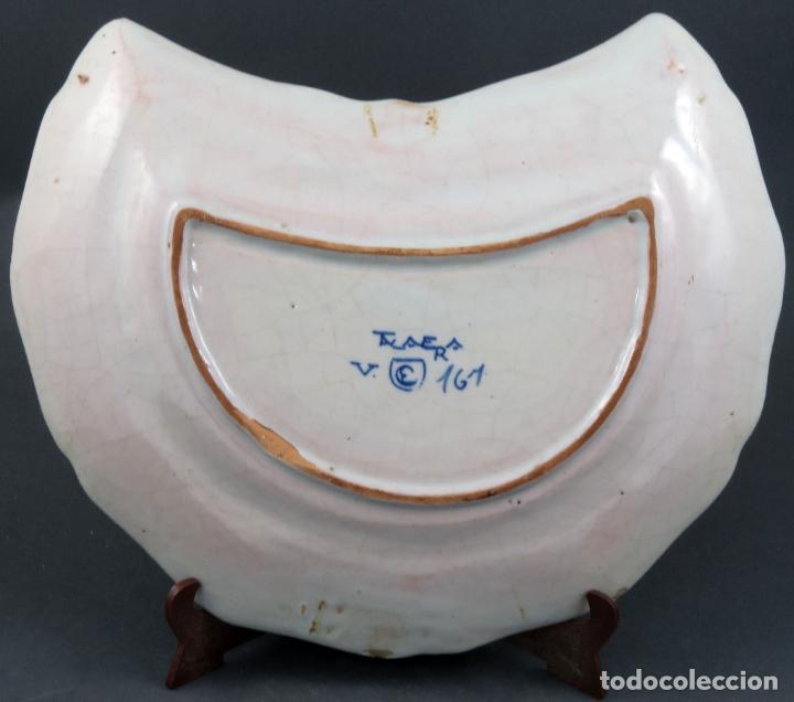Antigüedades: Bacia de barbero en cerámica de Talavera Ruiz de Luna serie arquitecturas blanca y azul hacia 1900 - Foto 4 - 194678525