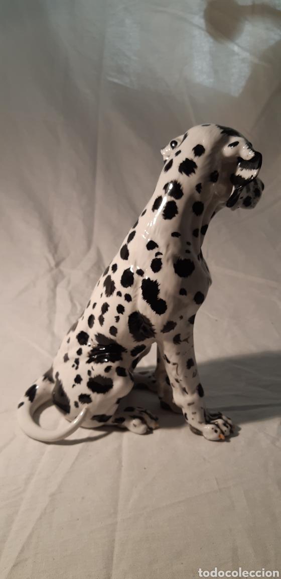 Antigüedades: Precioso perro Dalmata de porcelana , 22cm x 17cm firmado C.Martino - Foto 4 - 194684883