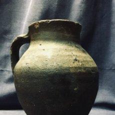 Antigüedades: PEQUEÑO CANTARO JARRA CERAMICA VIDRIADA BARRO VIDRIADO S XVII XVIII MUCHO USO PATINA DESGASTE 21X17C. Lote 194691165