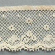 Antigüedades: ANTIGUO ENCAJE VALENCIENNES 7M. S.XIX. Lote 194705437