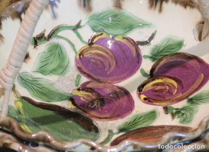 Antigüedades: Cesta frutero cerámica de La Bisbal,asa de mimbre. - Foto 2 - 194710663