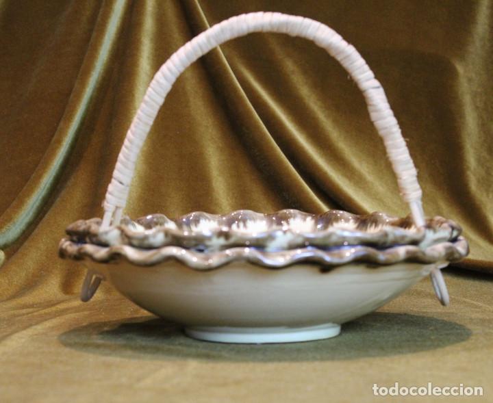 Antigüedades: Cesta frutero cerámica de La Bisbal,asa de mimbre. - Foto 3 - 194710663