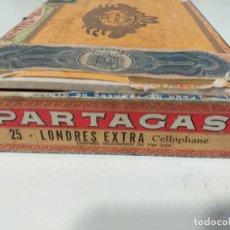 Antigüedades: CAJA DE PUROS FLOR DE TABACOS PARTAGAS Y CIA HABANA AÑOS 60 . Lote 194710680