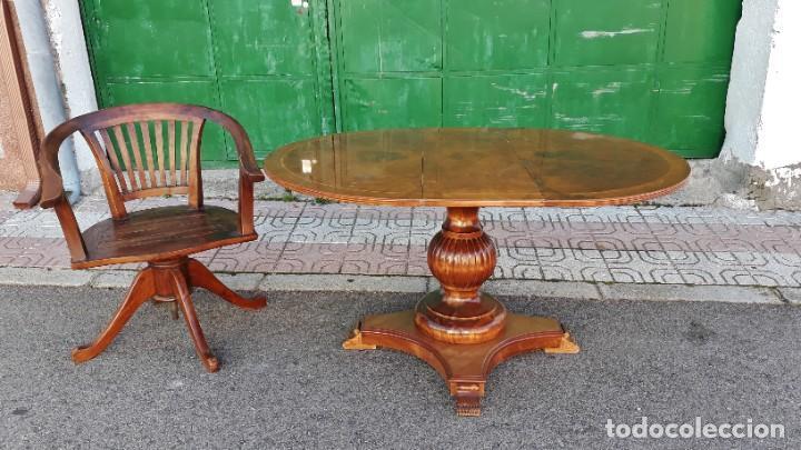 Antigüedades: Mesa de alas antigua superficie madera de raiz. Gran velador antiguo estilo victoriano inglés. - Foto 2 - 194736932